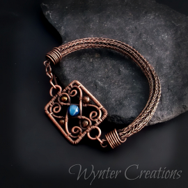 Copper bracelet with viking knit and gemstone